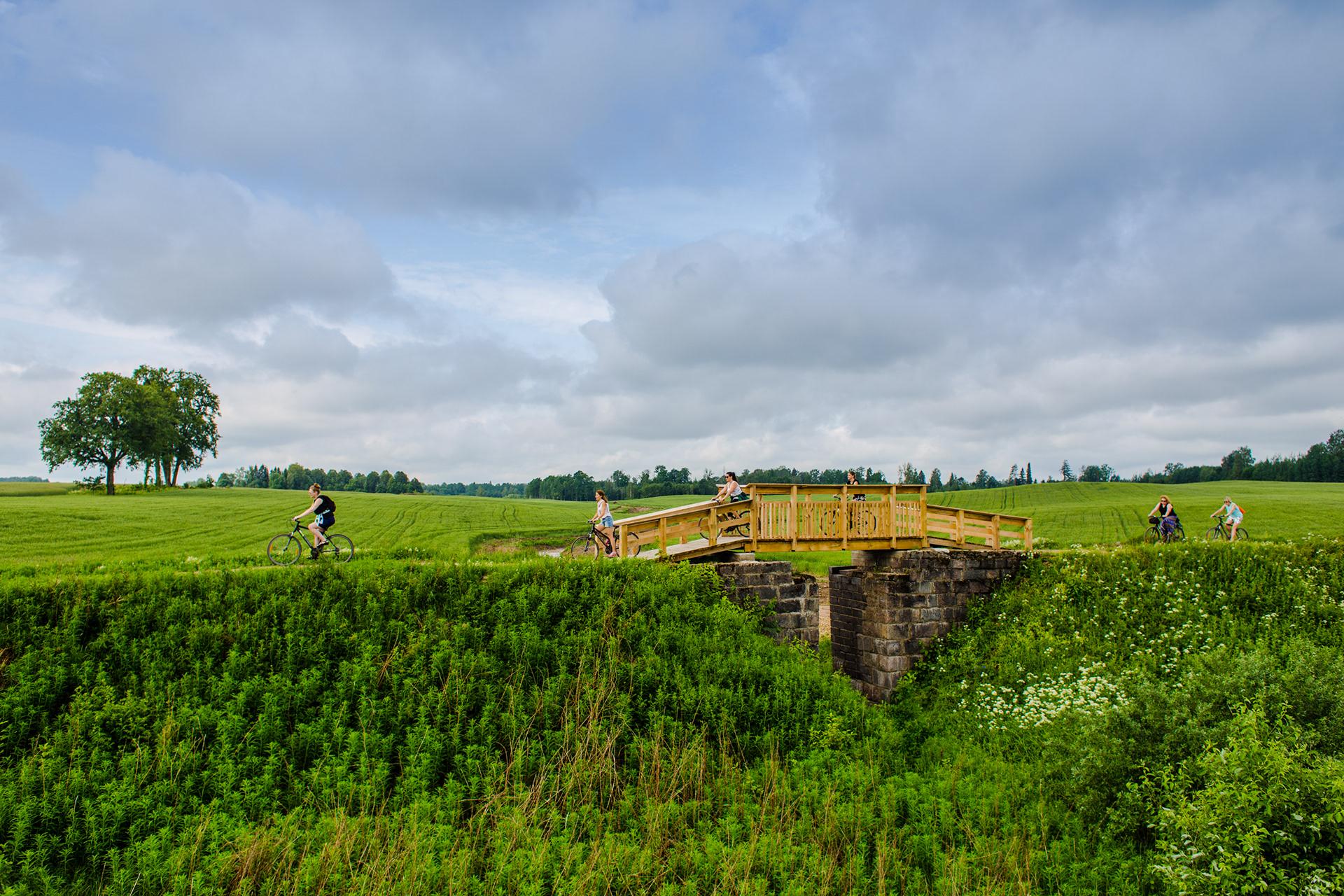 Zaļais ceļs un tilts Kocēnu novadā