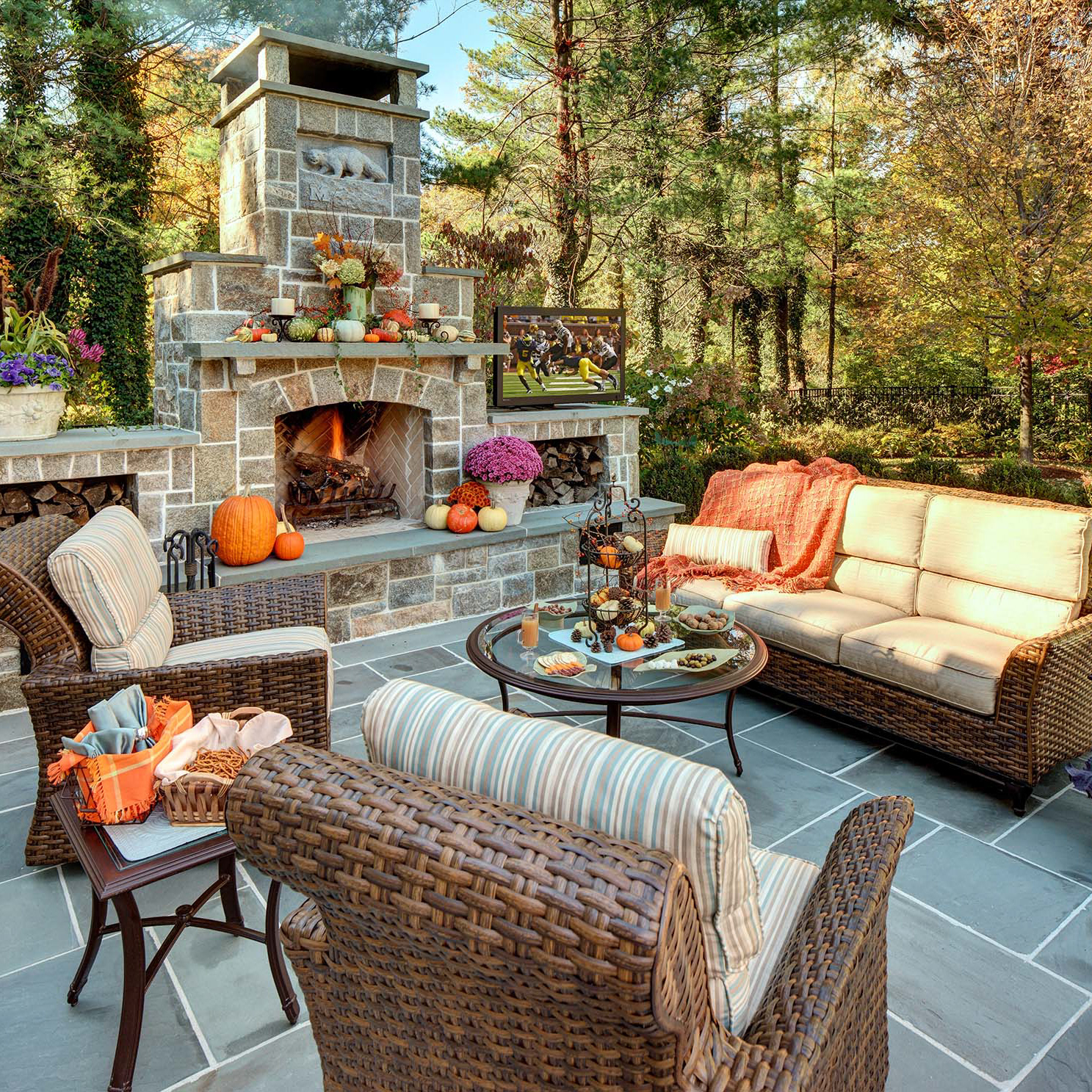 Welcoming Intimate Showhouse Kitchen: Summit NJ