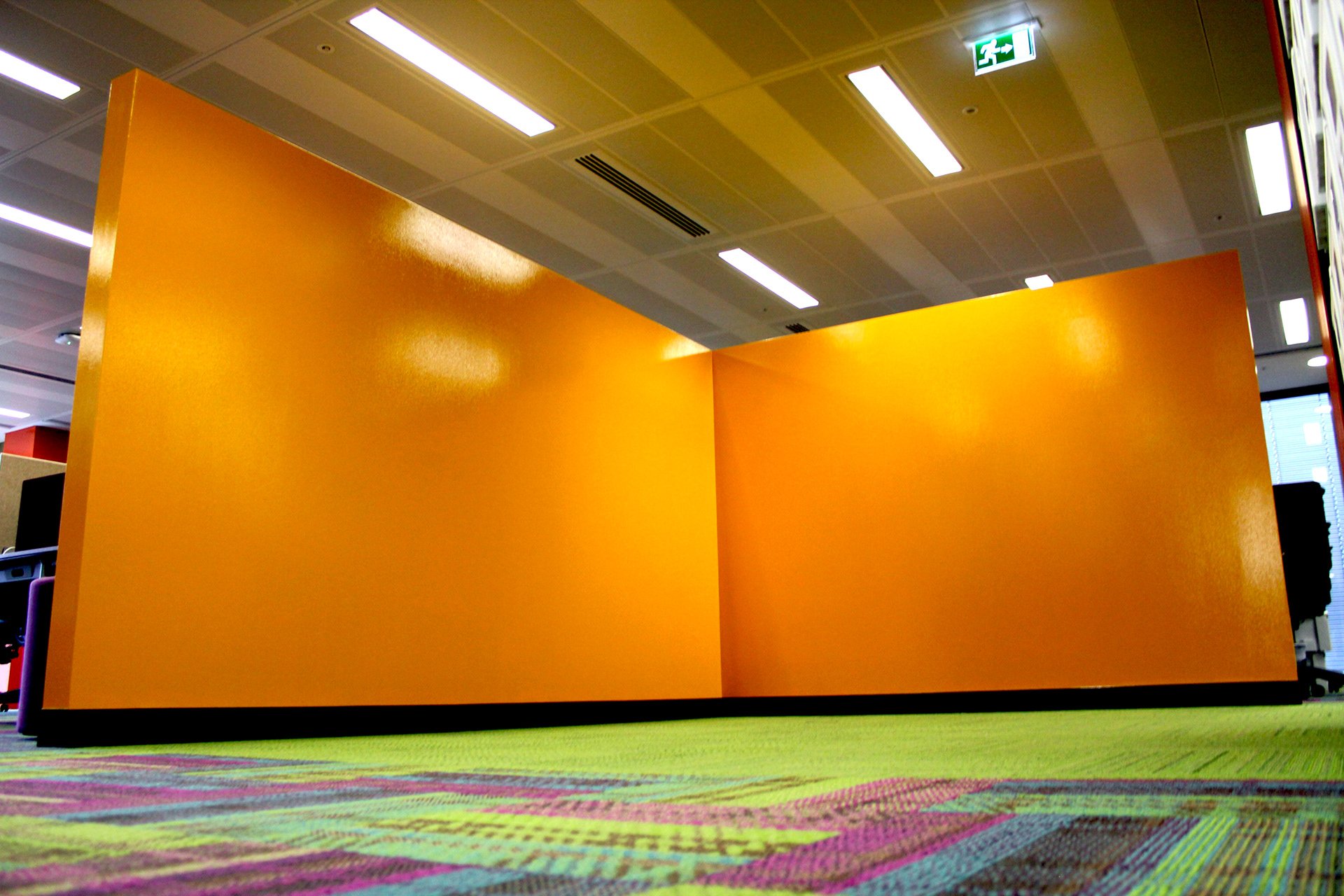 office feature wall. Allowing The Feature Walls To Work In Synergy With Overall Office Environment, Plus Bringing A Vibrant And Fun Piece Of Art Space. Wall R