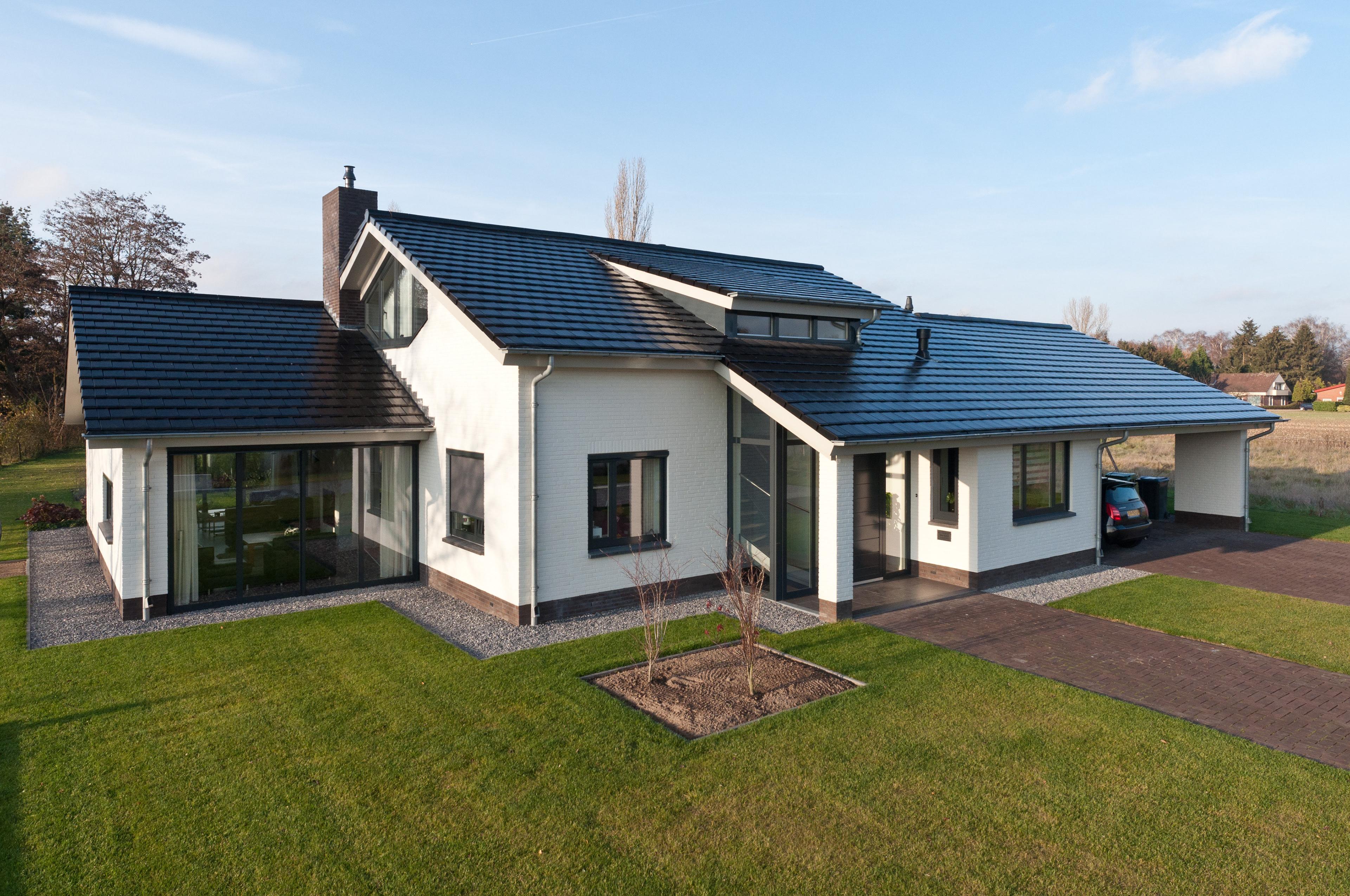 nabij in het centrum van beek bergh hebben we een modern landhuis ontworpen de zorgvuldige detaillering en materialisering is het interieur doorgezet