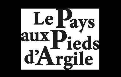 LE PAYS AUX PIEDS D'ARGILE